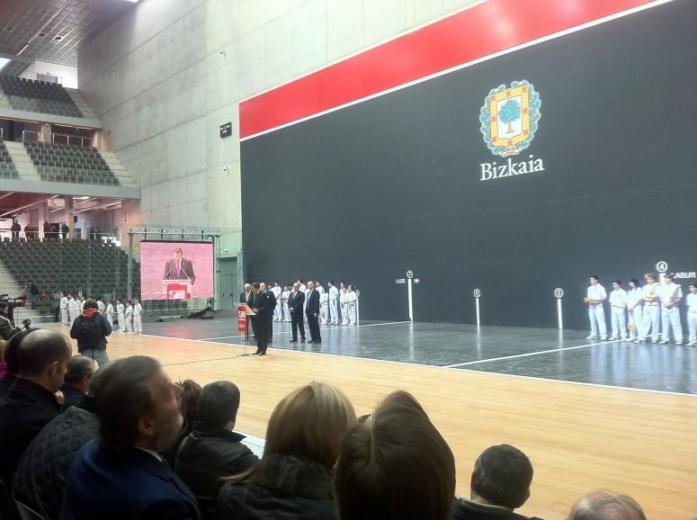 Asfaltado_del_trinquete_y_el_fronton_bizkaia_en_Bilbao_1