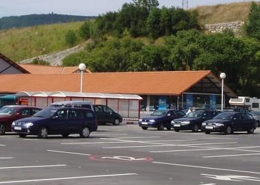 Planta_de_aparcamientos_en_hipermercado_carrefour_0