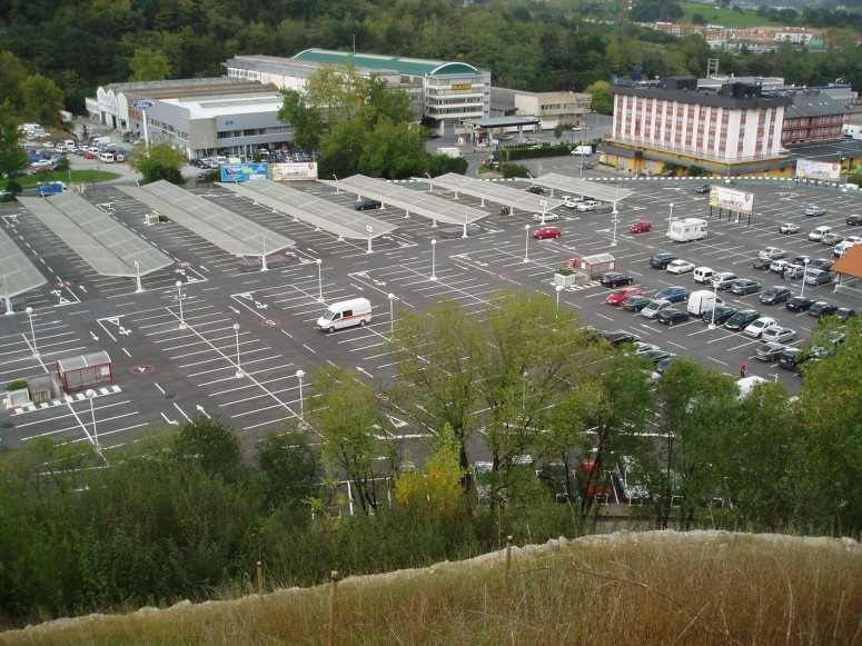 Planta_de_aparcamientos_en_hipermercado_carrefour_4