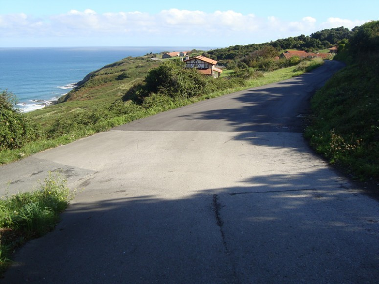 acondicionamiento_y_ensanche_de_caminos_ en_ibarrangelu_1