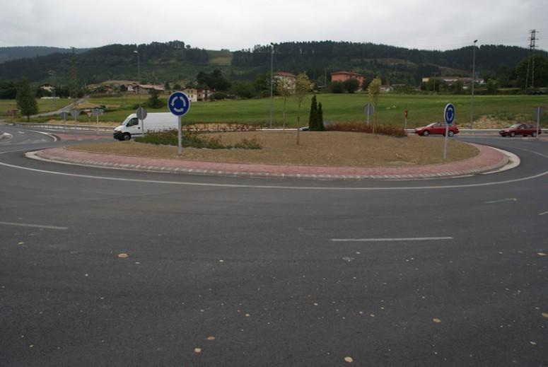 asfaltado_de_la_mejora_de_la_seguridad_vial_en_iurreta_2